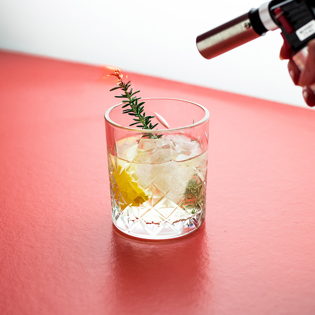 Saffron gin and tonic cocktail